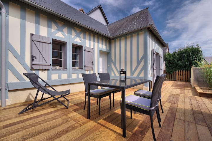 Nouveau le blue cottage