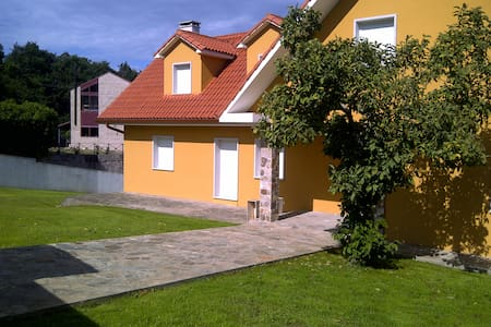 chalet  en el entorno de santiago - Teo - Huis