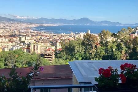 B&B Pacifico, uno sguardo su Napoli, San Martino