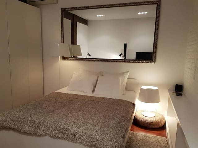LUXURY SPACIOUS ROOM IN UPPER-CLASS & CENTRAL AREA