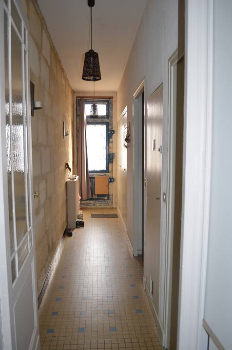 Entrée, grand couloir