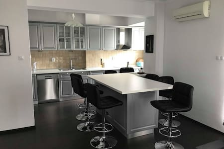 New Sunny 3BR Open Layout & Large Private Terrace