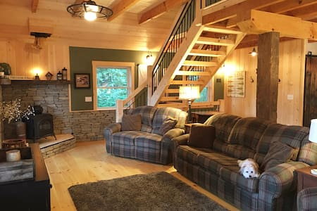 Sunapee, NH Cozy Hillside Retreat - Sunapee