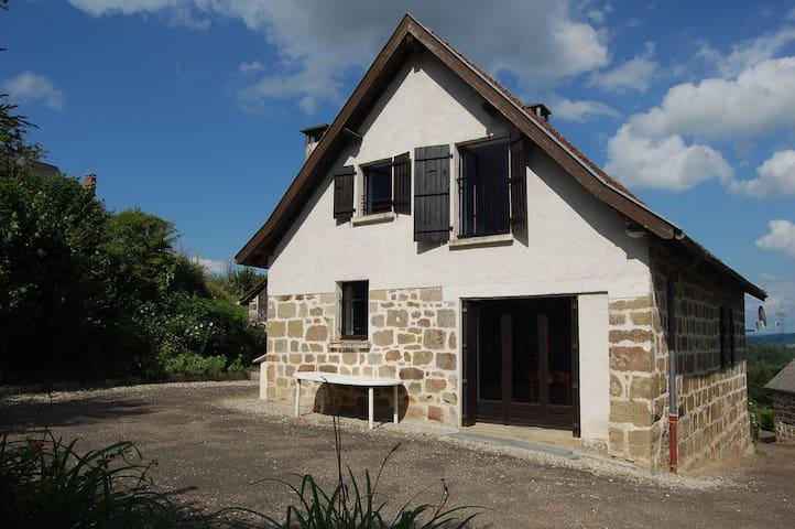 Gîte pour famille en campagne - Brignac-la-Plaine - Casa