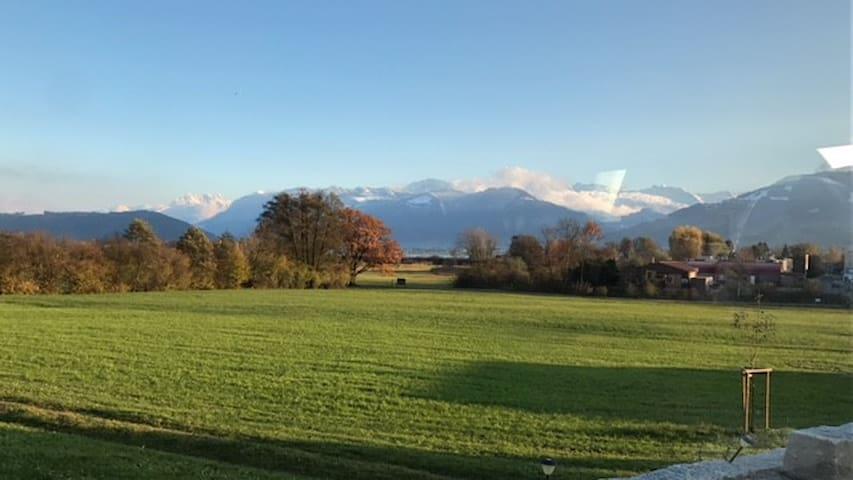 Seaside location close to lake, mountains + Zürich