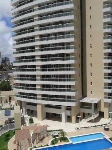 Suíte em Apartamento alto padrão no Cocó Fortaleza