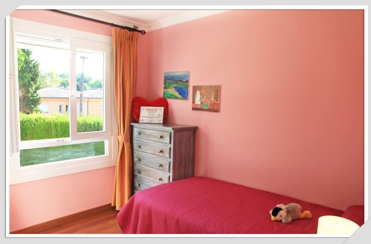 Sweet  single bedroom - San Roque, Andalucía, ES - Villa
