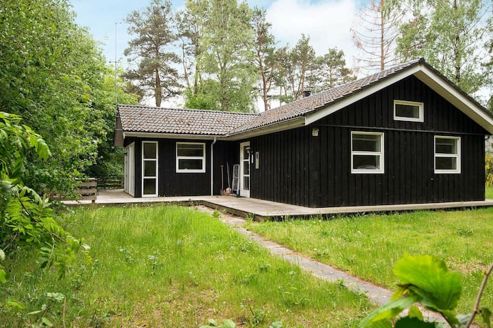 Exquisite Holiday Home in Ebeltoft near Beach