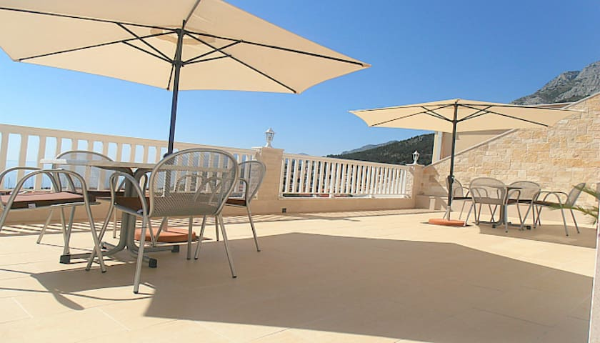 Villa Bonaca - luxury apartment,  nice terrace