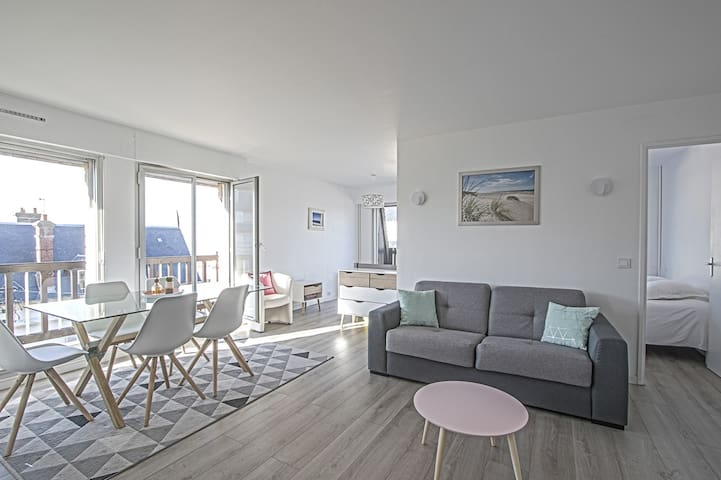 SUPERB APARTMENT WITH SEA VIEW - CABOURG
