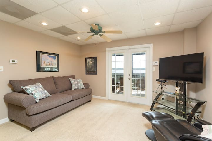 Living room with New Smart TV & Sofa Sleeper, Opens to Porch & Waterfront