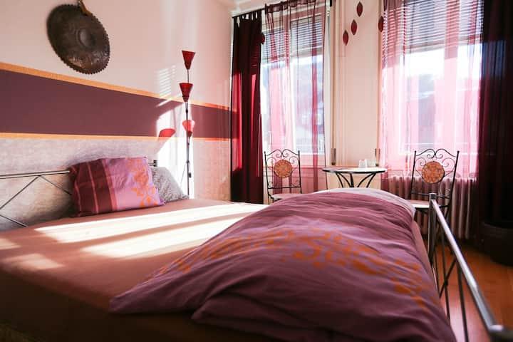 orientalisches Einzel-Zimmer im B'n'B Thunerstern