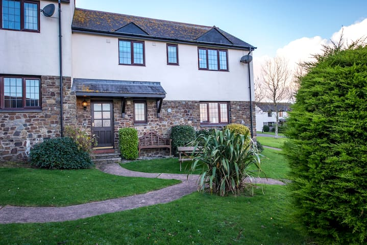 No.45 Ryders Cottage, large property by Woolacombe