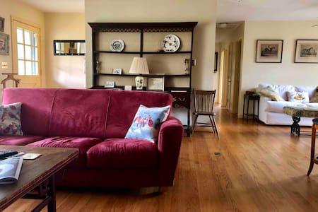 Three Bedroom Cottage at Millington Stables