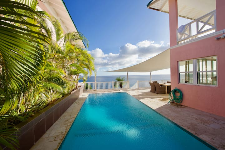Villa with Heated Pool and Incredible Ocean Views
