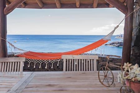 Vila Cais da Gaivota, private access to the sea.