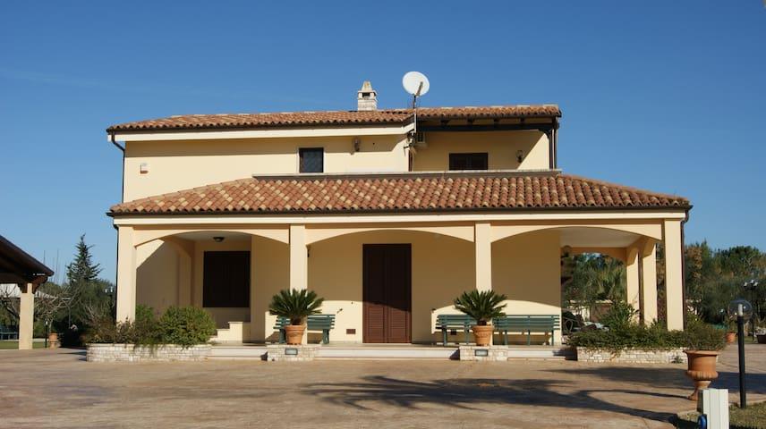 Appartamento 100mq in villa nel cuore del Salento - Muro Leccese - Villa