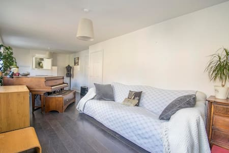 Lovely light peaceful 3 bed semi South Oxfordshire - Cray's Pond - Σπίτι