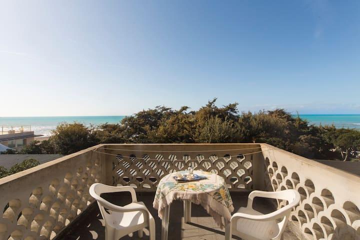 Miramare - Casa con vista a Marina di Castagneto