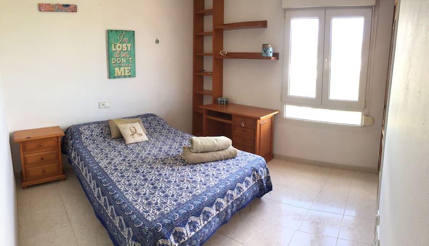 Nice double-room in Ibiza
