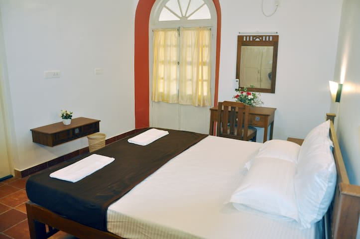 A Heritage homestay offer the ideal place to stay.