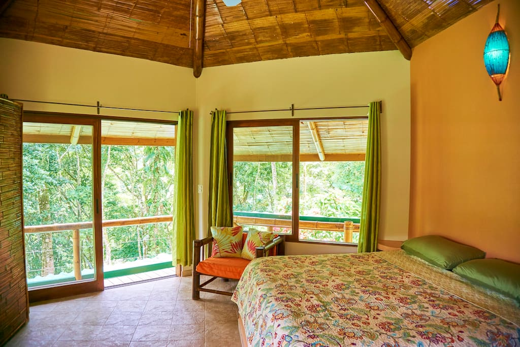 Your bedroom has a tree-top wrap around balcony, with a view to the union of the Uvita & Ballena rivers.