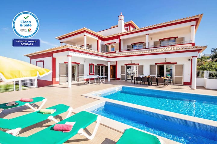 SUPERB VILLA, AIR CON, WI-FI, HEATABLE POOL