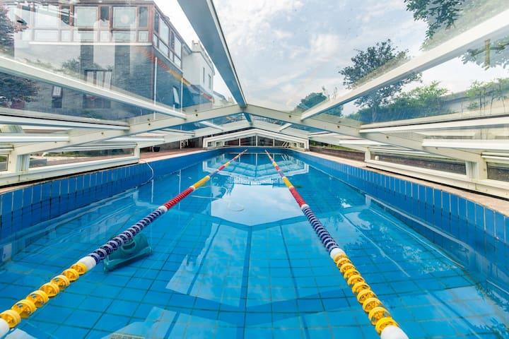慢姑娘轰趴馆-姜堰区豪华泳池店
