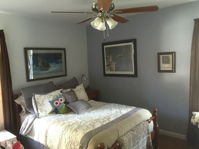 Dallas Bedroom, cozy quiet clean - Dallas - Maison
