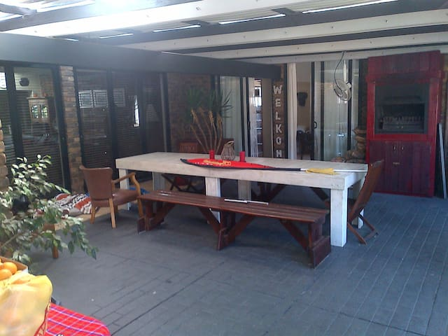 Seperate garden flat - Centurion - Leilighet