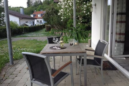Charming holiday apartment on Weinbergweg with terrace, garden and Wifi; parking available