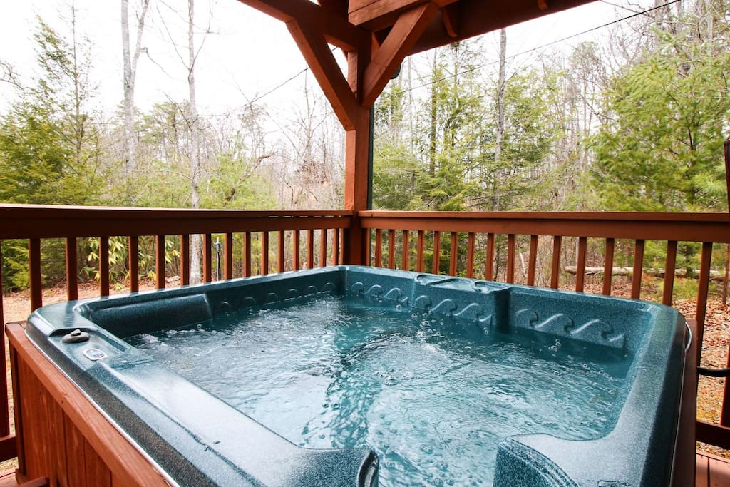 Enjoy a long soak in the Hot Tub after a long day of shopping and activities in Pigeon Forge and Gatlinburg!