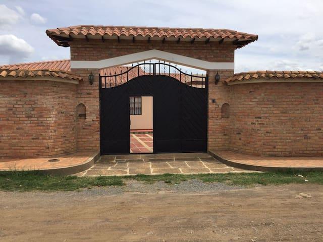 Casa Quinta villa de leyva (sutamarchan) - Bogotá - Rumah