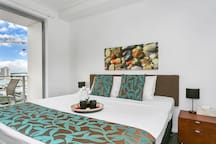 Your KING size pillow top bed with hotel quality linen.