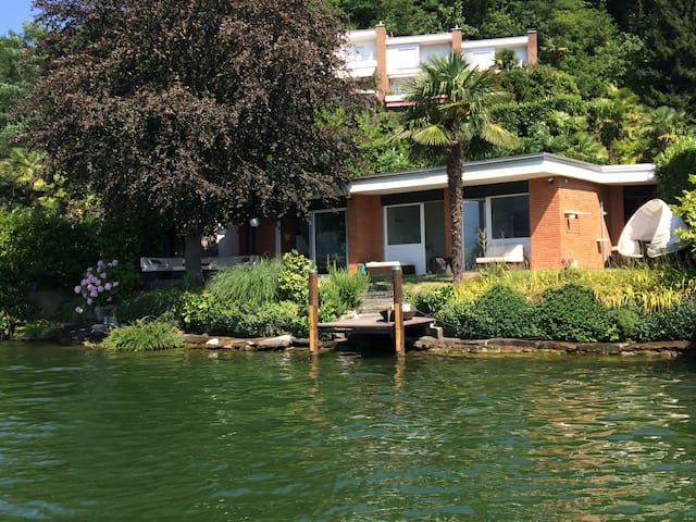 Beach House in Lugano (Agno)