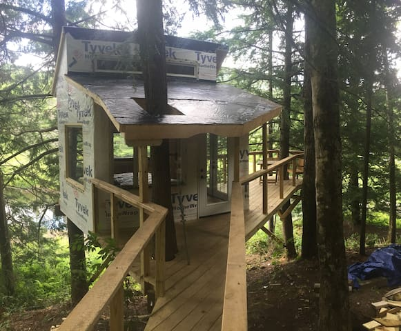 The Beaver Pond Treehouse - Hancock - Apartament