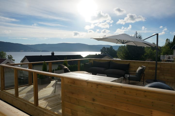 apartment with fjord view - Svelvik - Appartement