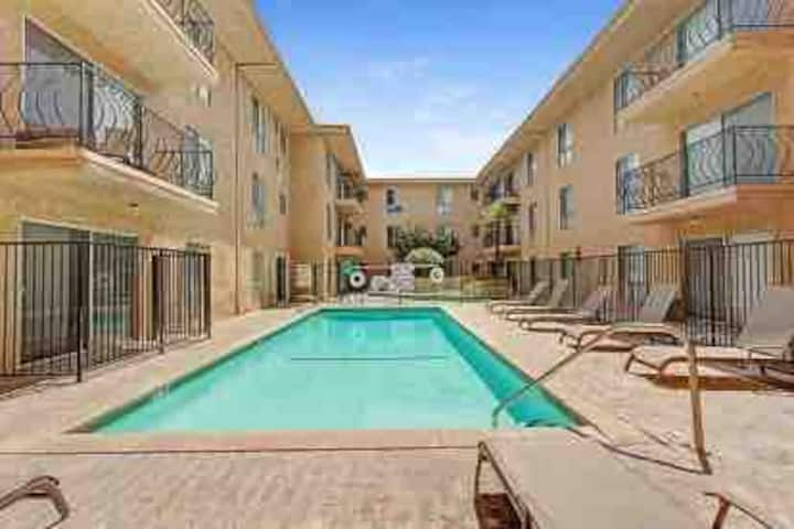 2BR2BA ENTIRE FURNISHED APT SUBLET MARCH20-MAY31!