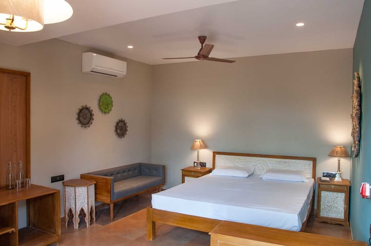 Heritage Room with Veranda for two | Mahabaleshwar