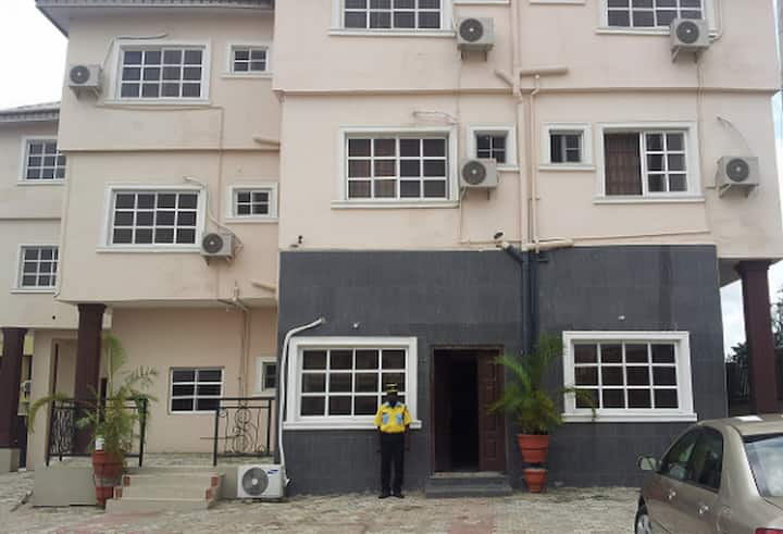 Supreme Hotel and Suites...budget hotel in Ibadan