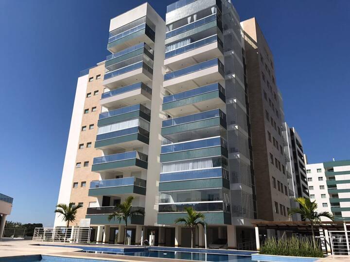 53- Excelente apartamento na Praia de Palmas