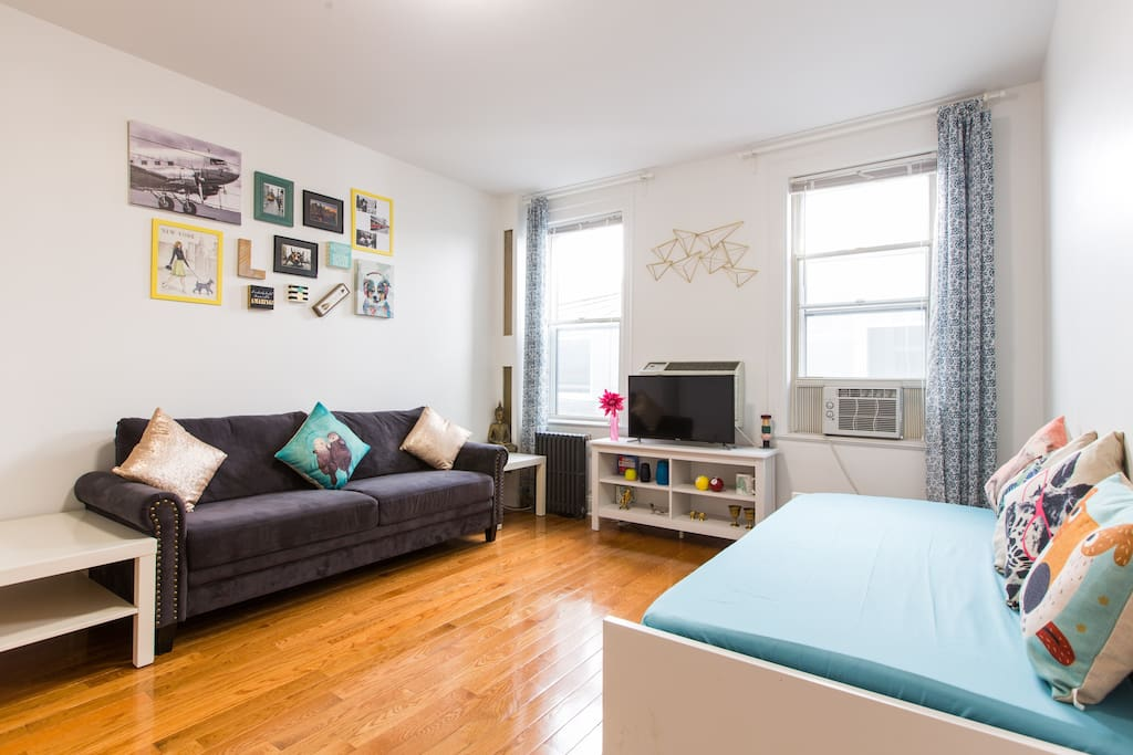 living room times square 15 mins to times square amp manhattan 3 bedroom apt 퀸즈의 13913