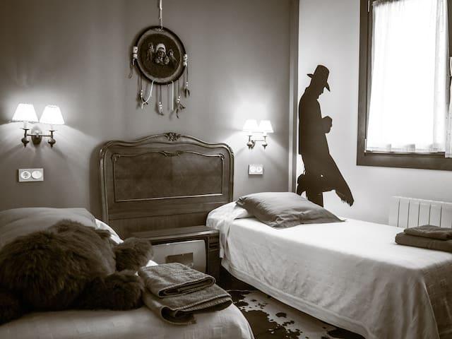 """Habitación """"western"""""""