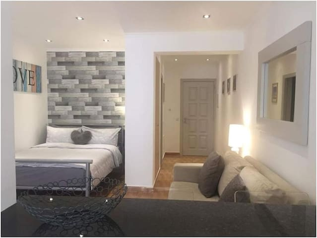 Centrally located beach and town apartment.