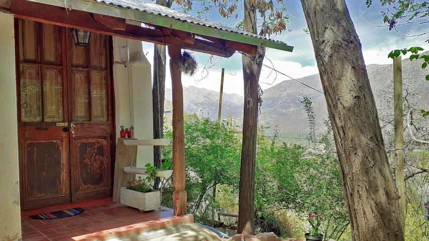 Casa Mirador ::: Tinaja Caliente, Cajón del Maipo