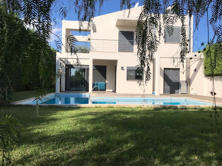 Country House with swimming pool  (90m2)