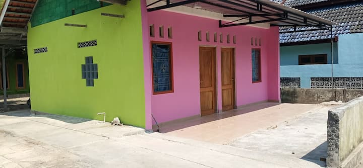 Cosy room at tamanbakti24 near pindul and kalisuci