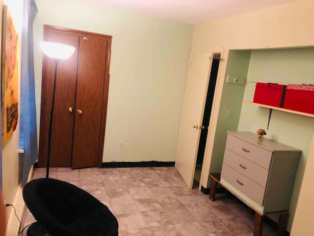 Clean, Private bedroom available 2-3 months