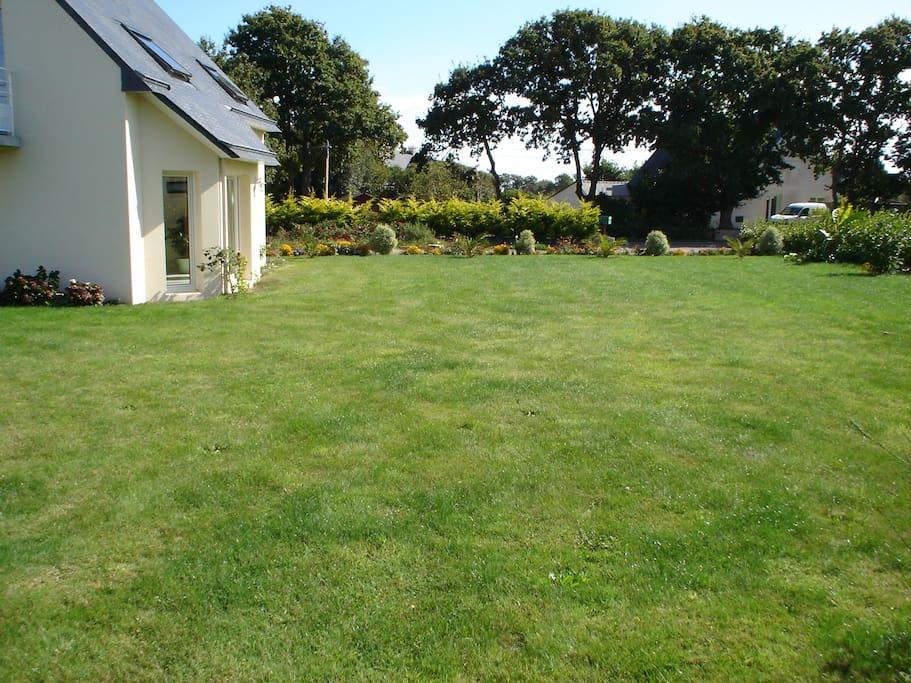 Le jardin (1200 m2)