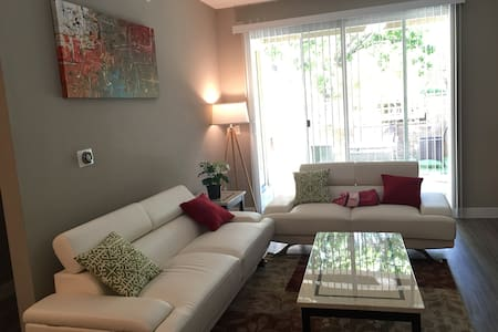 Gorgeous apt near SF Airport -Car rental available - San Bruno - 公寓